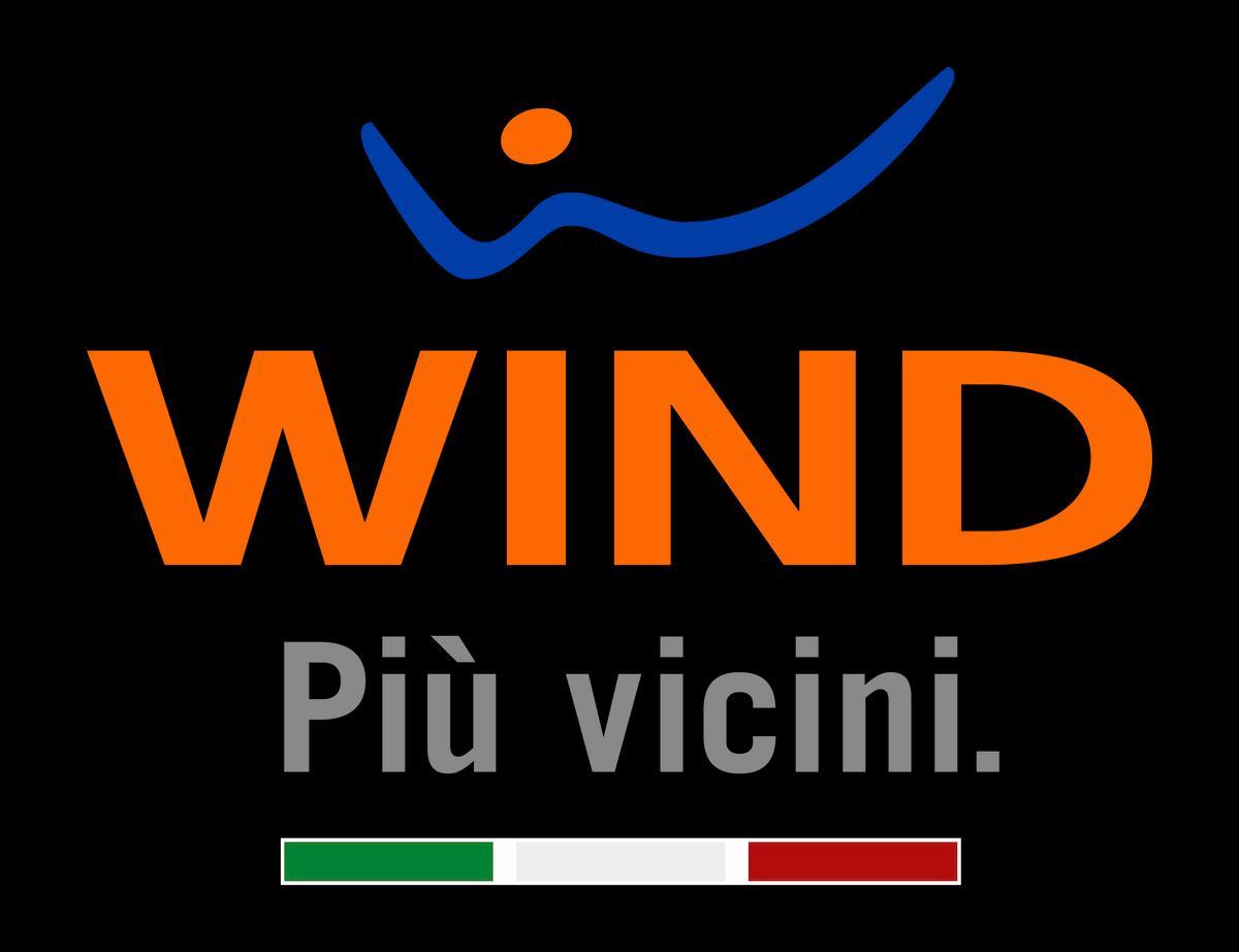 """Logo di Wind su sfondo nero e claim """"più vicini"""""""